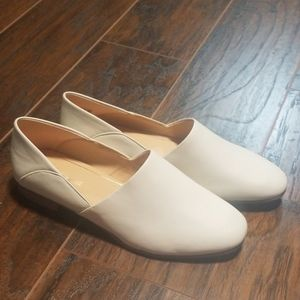 Clark's cushion plus white leather loafers size 10